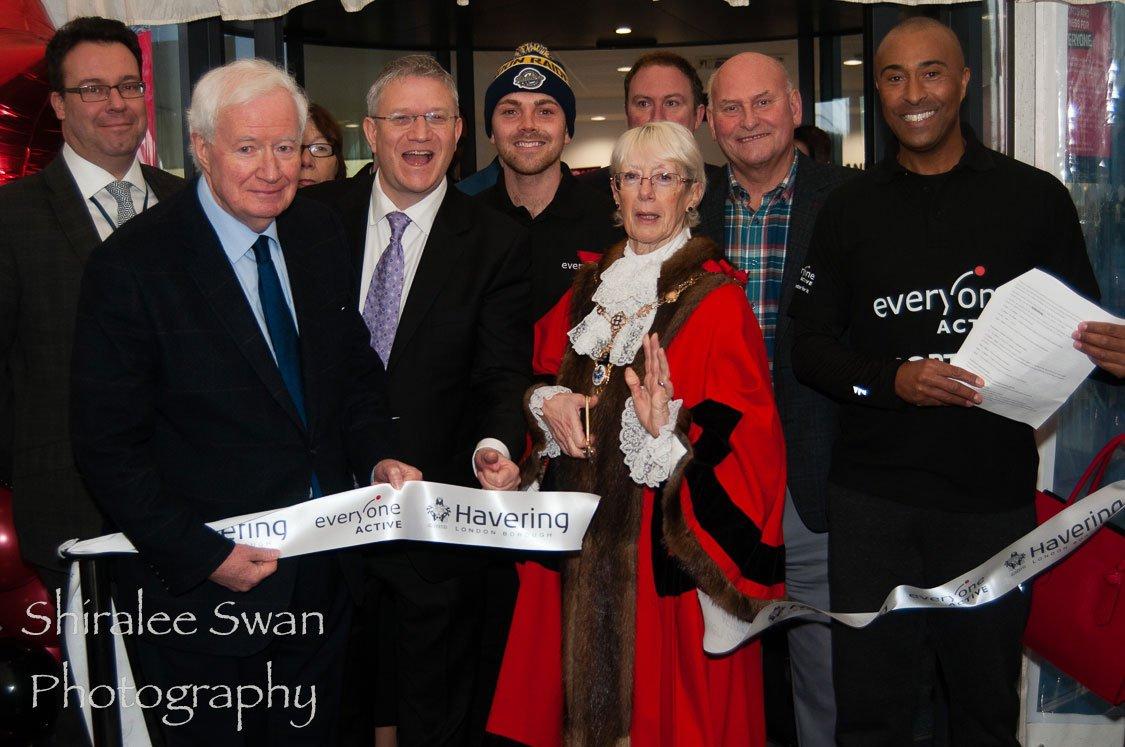 Havering Mayor cuts the ribbon