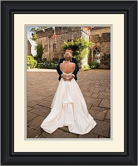 Lympne Castle provided the perfect setting for Maggi & Eddies wedding